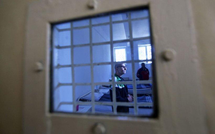 Au apărut primele cazuri de deţinuţi infectaţi cu coronavirus în România
