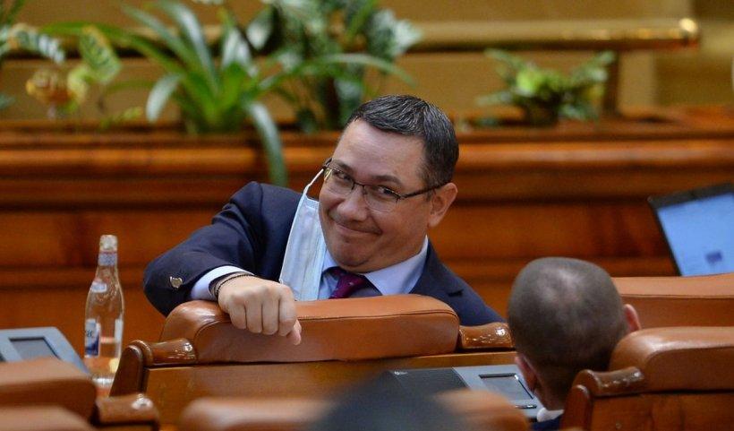 """Ponta: Liderul USR, Dan Barna, s-a """"predat"""" PNL pentru nişte funcţii călduţe şi sinecuri politice"""
