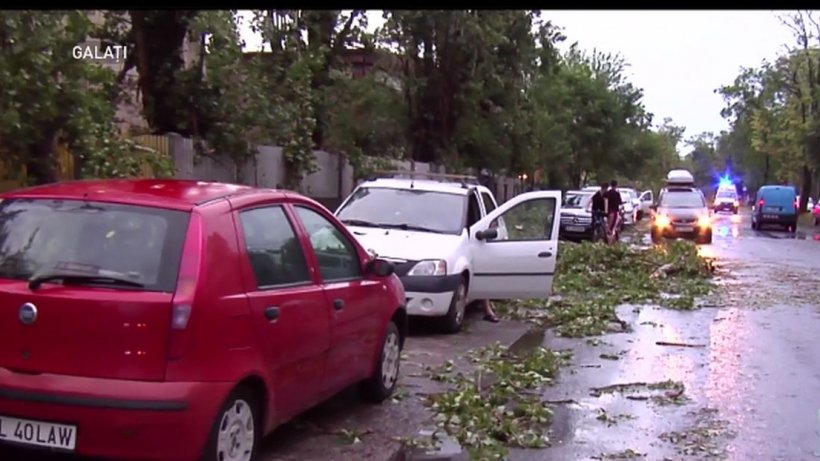 Furtuni cu forță de uragan în România, dezastru total