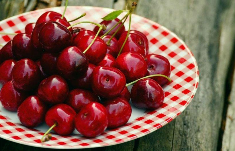 Motive să mănânci cireșe. Ce conţin fructele care elimină toxinele