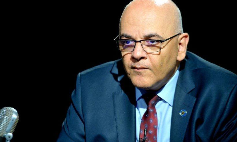 Raed Arafat explică de ce nu mai respectă românii regulile de distanțare socială