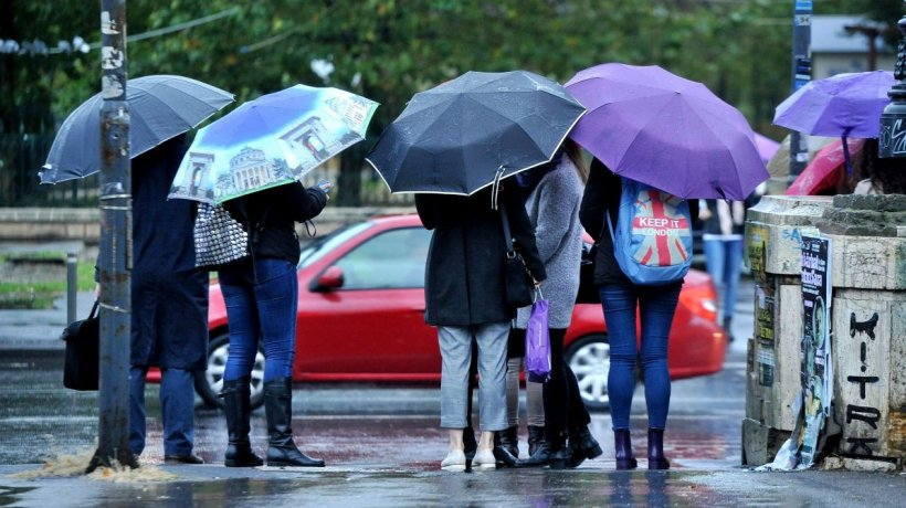 Alerta ANM: Ploi și furtuni puternice în întreaga țară, până marți