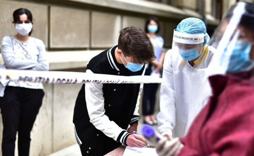 O elevă din Constanța, respinsă la Evaluarea Națională pentru că avea febră peste 37,3: 'Avea o infecţie la nivelul tractului digestiv'