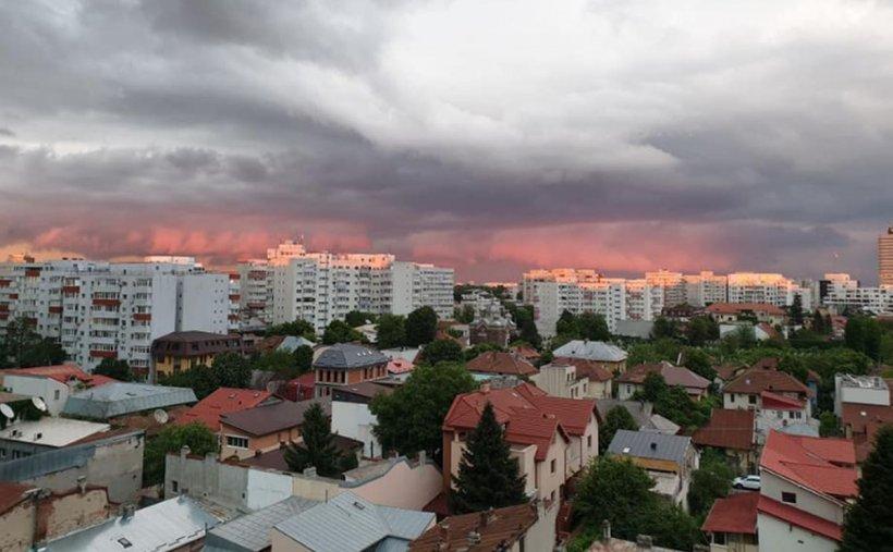 Avertizare de vreme severă imediată. Cod portocaliu de ploi torențiale în București și în alte două județe