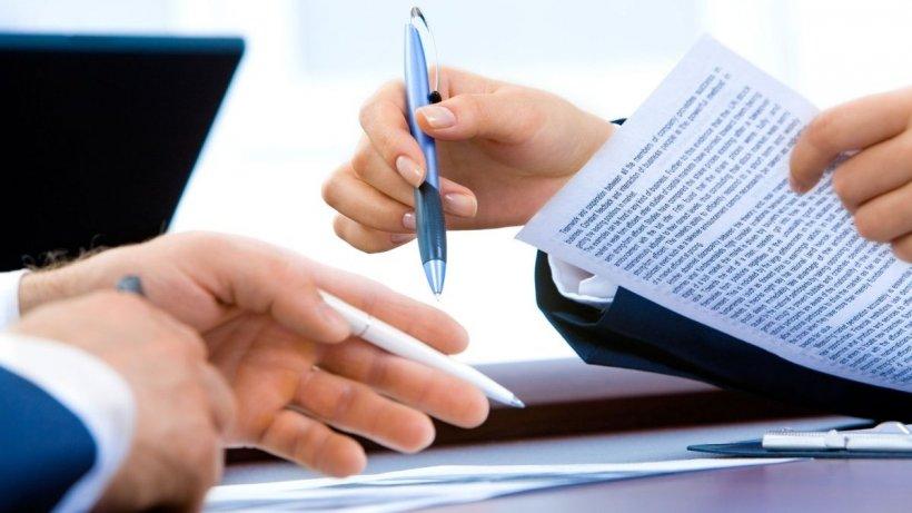 În ce condiţii îţi poate modifica operatorul contractul de telefonie, internet sau televiziune și ce poți face dacă a făcut schimbări fără să te anunțe