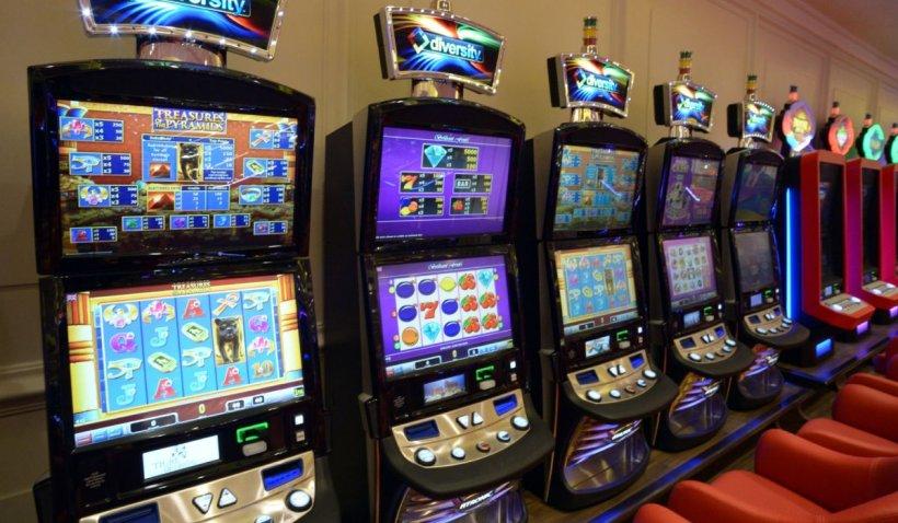 Pasionat de pariuri și jocuri de noroc? Vezi ce reguli trebuie să respecți. Nu uita să vii cu mască și pix de acasă!