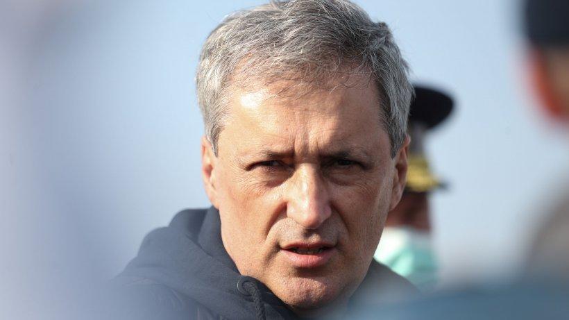 Marcel Vela, mobilizare totală și operațiuni de salvare pe cod roșu: 'Evacuăm 500 de persoane'