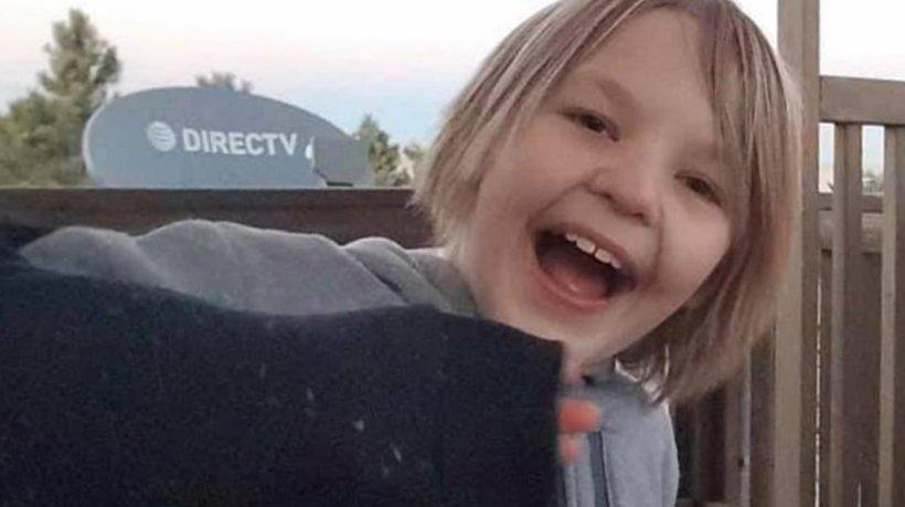 Băiat în vârstă de 11 ani mort după ce a fost obligat de părinți să bea aproape 3 litri de apă în 4 ore