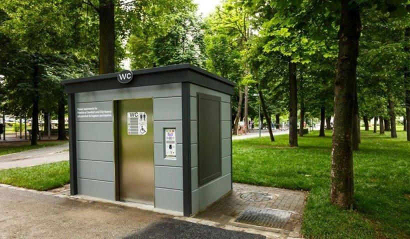 Emil Boc a cumpărat toalete publice la preț de garsonieră, în plină pandemie