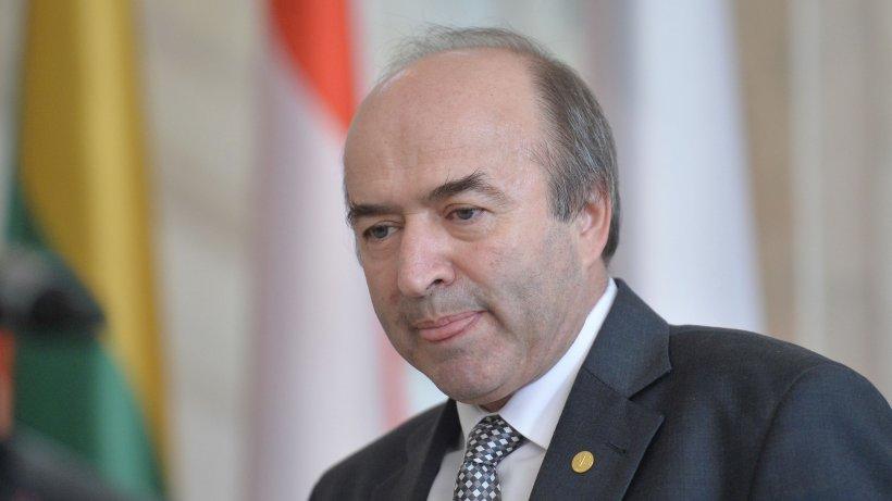 Guvernul României, umilit de Comisia de la Veneția. Tudorel Toader rămâne membru al Comisiei