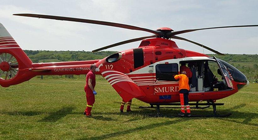 Intervenție cu elicopterul SMURD pentru un copil de doi ani, lovit de cal