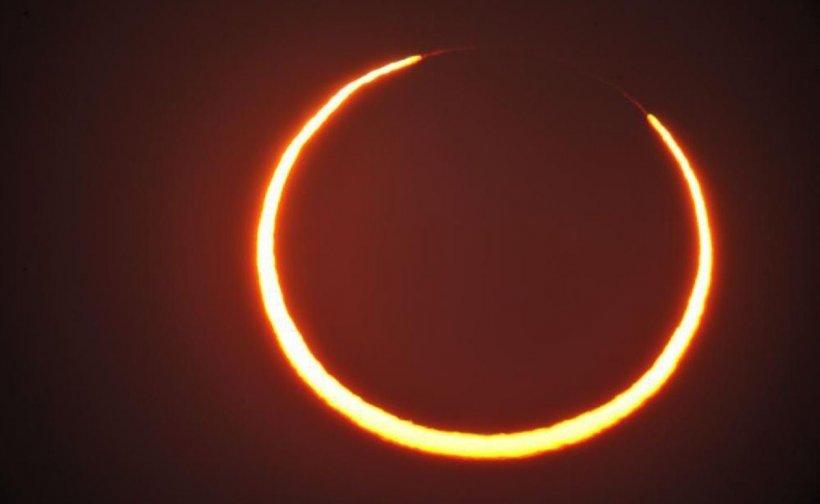 Eclipsă de Soare, vizibilă astăzi în România. Când este punctul maxim şi de unde poate fi văzută cel mai bine