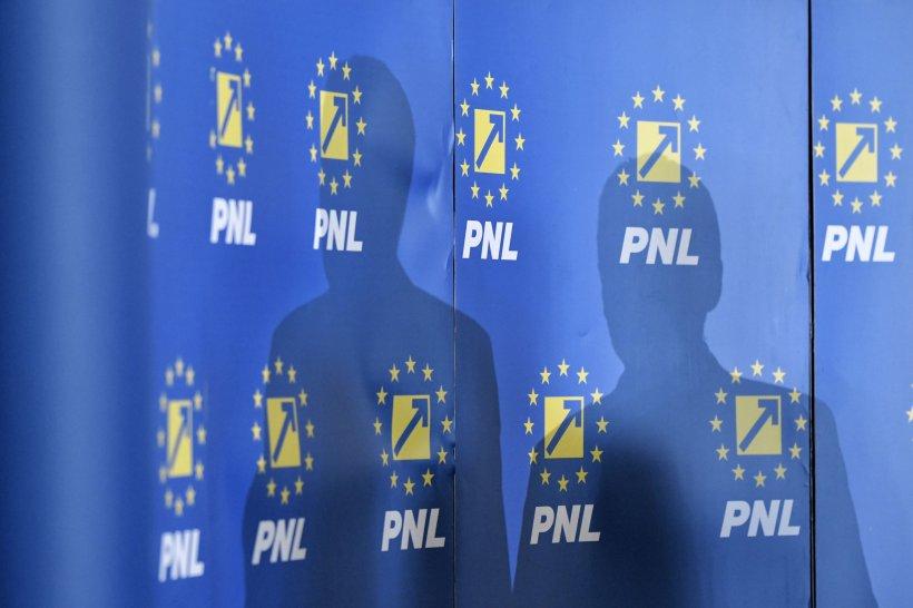 Imagini-șoc. Lideri PNL surprinși din nou în timp ce încalcă regulile din pandemie