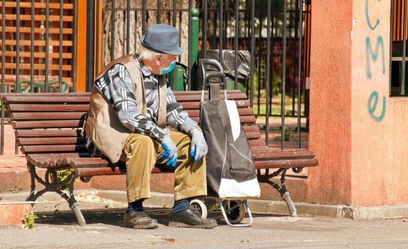 Se dau bani pentru pensionari! În ce condiții și cum pot accesa bătrânii fonduri suplimentare