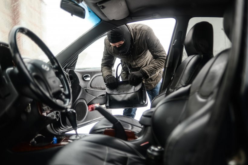 O nouă metodă de spargere a autoturismelor scumpe face ravagii