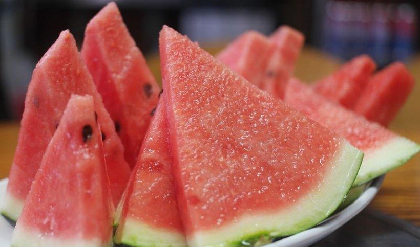 """Efectele neștiute ale pepenelui roșu. De ce este considerat """"viagra naturală"""""""