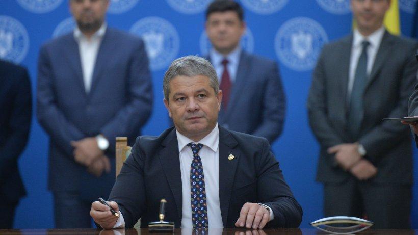 Florian Bodog, senator PSD: Orban și gașca de nesimțiți care chefuiesc în sediul Guvernului trebuie să plece