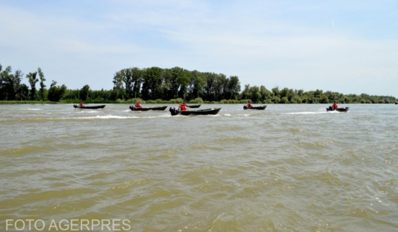 Fetiță de un an, readusă la viață de un asistent în timpul liber, după ce a căzut dintr-o barcă în Dunăre