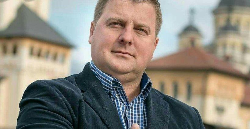 """Primar din Alba care a vrut să cumpere 'puicuțe tinere la o lună', blocat de Facebook: """"Au înnebunit salcâmii, mulțumesc"""""""