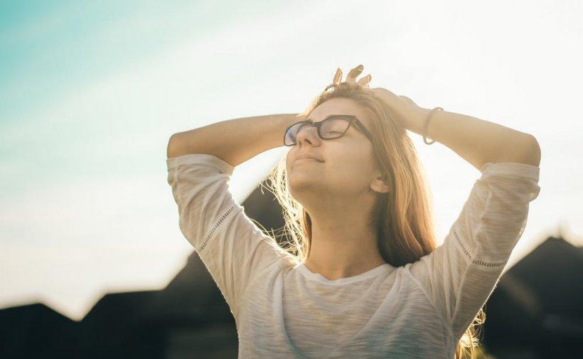 Soarele poate distruge COVID-19 în 30 de minute. Anunțul făcut de specialiști