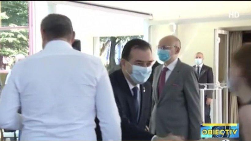 Noi scene șocante cu premierul Ludovic Orban. În ce ipostază a fost acesta surprins, din nou