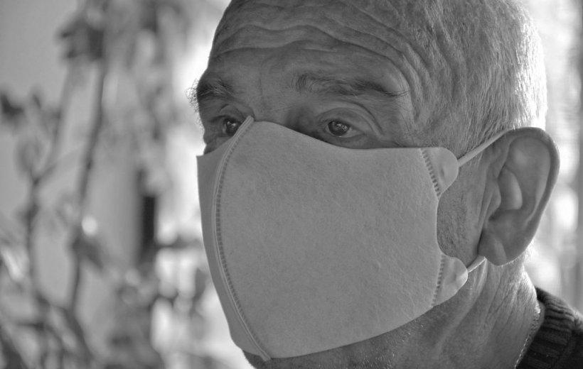 Achiziţia măştilor pentru românii săraci, contestată. Ce se întâmplă cu persoanele vulnerabile