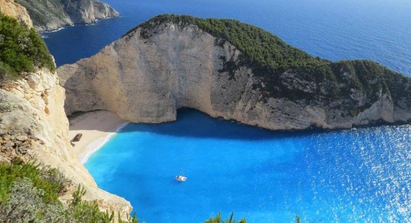 Tot ce trebuie să știi dacă intenționezi să pleci în vacanță în Grecia. ATENȚIE la restricții, o singură vamă este deschisă