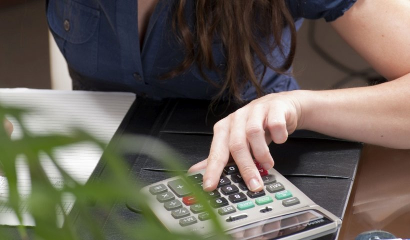 Când puteți beneficia de pensia anticipată? La ce sume de bani aveți dreptul și care sunt condițiile impuse de lege pentru a o primi