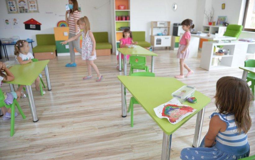 Copii cu COVID, la o grădiniţă privată. Cine este politicianul care o deţine. Primăria a închis grădiniţa