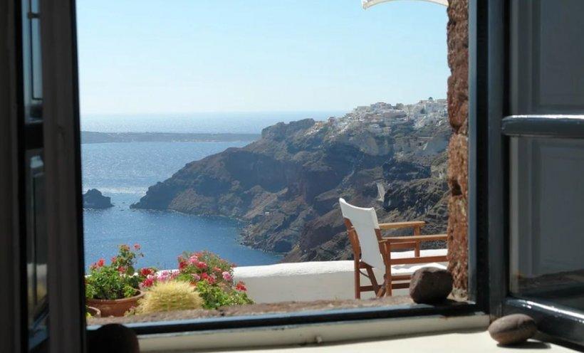 Veşti bune pentru românii care vor să-şi petreacă vacanţa în Grecia. Cozile au dispărut miraculos