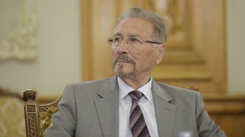 Emil Constantinescu, de urgență la spital! Medicii l-au băgat imediat în sala de operație