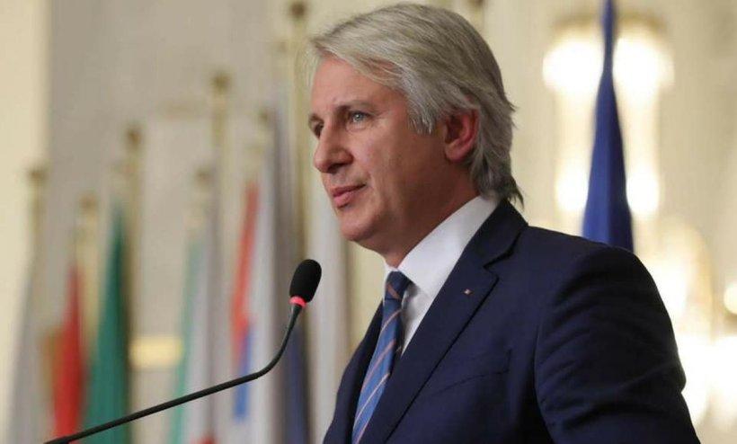 Eugen Teodorovici: PNL ascunde realitatea din economia reală prin împrumuturi