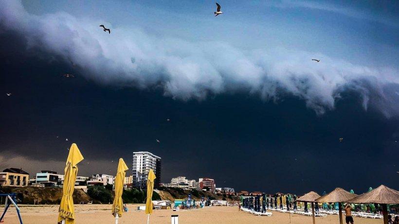 Imagini dramatice! Furtunile au măturat ţara. Care au fost cele mai afectate judeţe