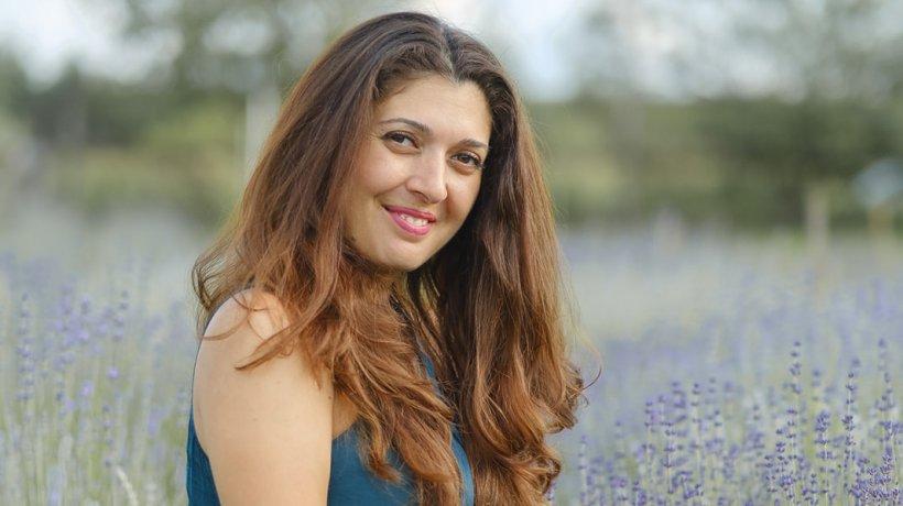Eroul Zilei. Manuela Ilioiu oferă ajutor pentru mamele aflate în dificultate