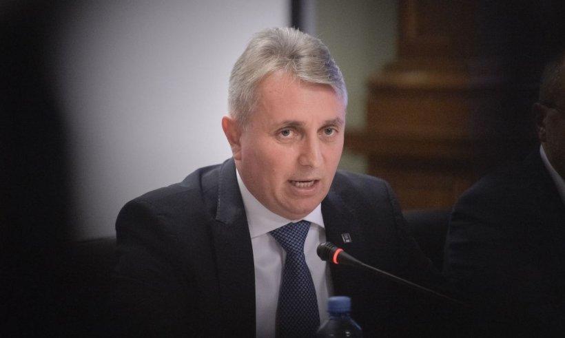 """Ministrul Transporturilor, anunţ despre TAROM: """"E un şef la nouă angajați! Clar că este nevoie de o restructurare"""""""