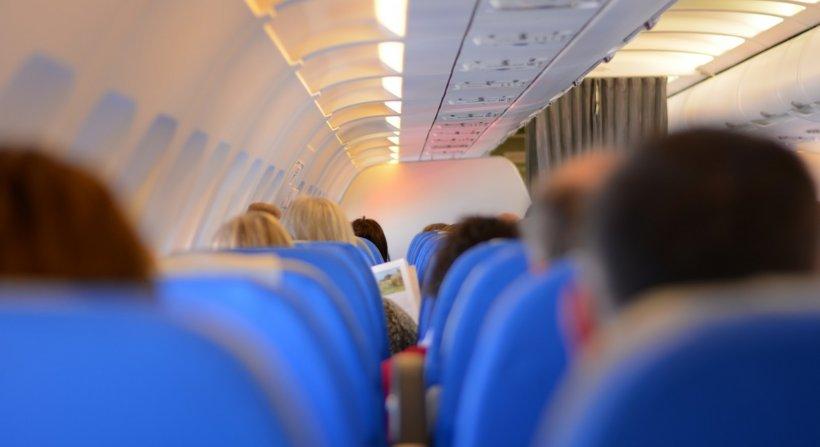 KLM: Pasagerii români care călătoresc în Olanda nu trebuie să stea în izolare la domiciliu!