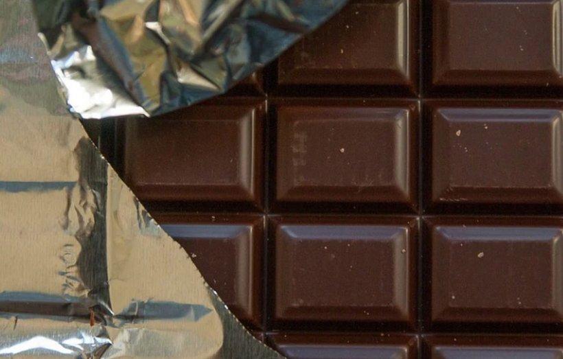 Adevărul despre ciocolata neagră. Ce se întâmplă, de fapt, în corpul tău imediat după ce o mănânci