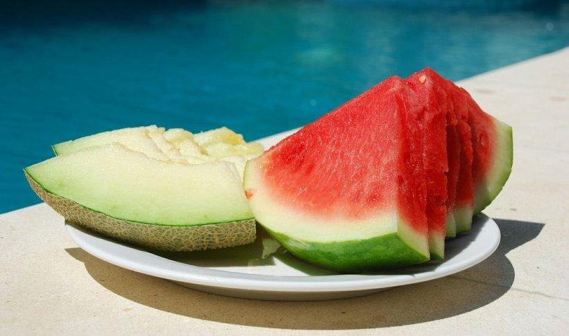 """Cum slăbim cu pepene? Dr. Luiza Pîrvu: """"Putem mânca pepene şi seara. Doar dacă îl consumăm cu..."""""""