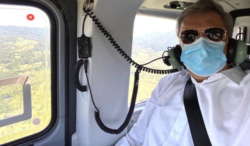 Marcel Vela, cu elicopterul la învestirea noului subprefect de Hunedoara. După eveniment, ar fi mers la o nuntă cu zeci de invitați