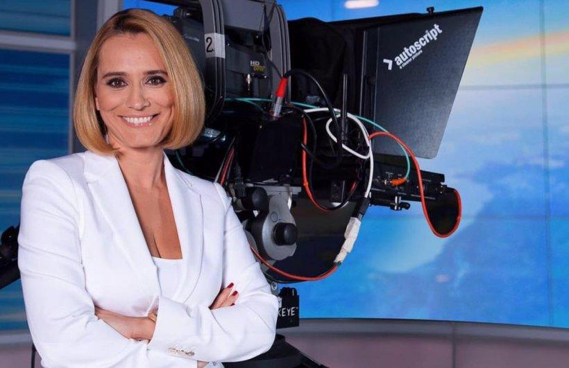 Nu mai seamănă cu ea. Cum arăta Andreea Esca acum 30 de ani și ce studii are de fapt vedeta Pro Tv. FOTO