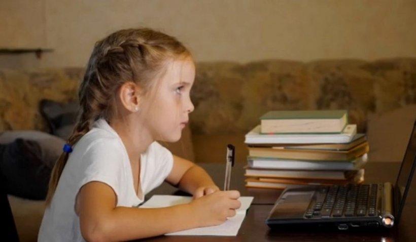 Oportunitate deosebită pentru elevi. Cursuri gratuite online de limba engleză, la un click distanță