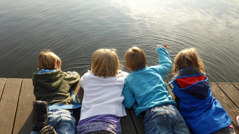 Vești bune pentru copii. Dublarea alocațiilor, posibilă înainte de 1 august