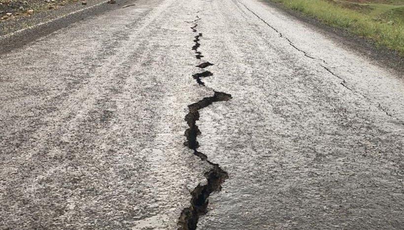 Cutremur devastator cu magnitudinea de 7,8. A fost emisă alertă de tsunami!