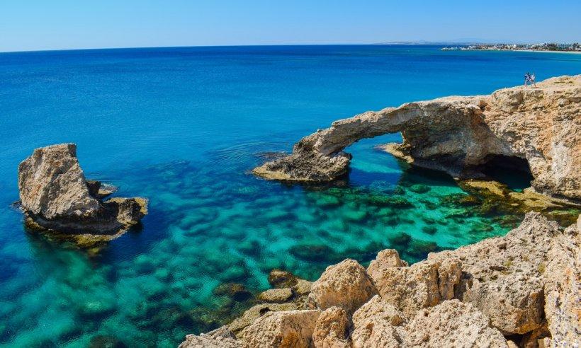 Noi restricții pentru românii care vor să călătorească în Cipru!