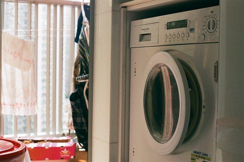 Sfaturi pentru a elimina mirosul neplăcut din mașina de spălat