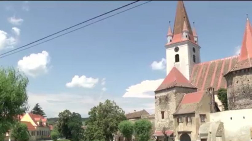Cum a devenit o comună din Sibiu atracţie pentru turişti: ''Asta este efectiv o minune!!''