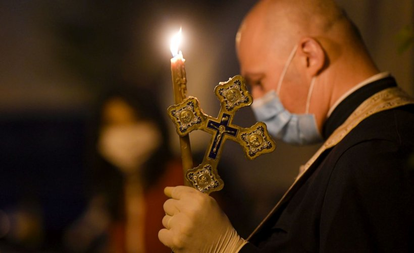 Intervenție în forță împotriva credincioșilor. Record de amenzi la un botez din Timișoara cu 250 de participanți