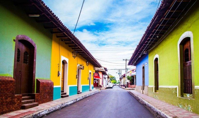 Culorile casei tale îți influențează starea de spirit! Nuanţa ideală pentru living, care aduce conversații plăcute