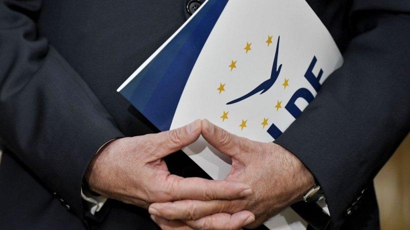 Lider ALDE: Economia nu se hrănește cu hotărâri și ordonanțe de guvern, ci are o lege mult mai simplă: cerere și ofertă