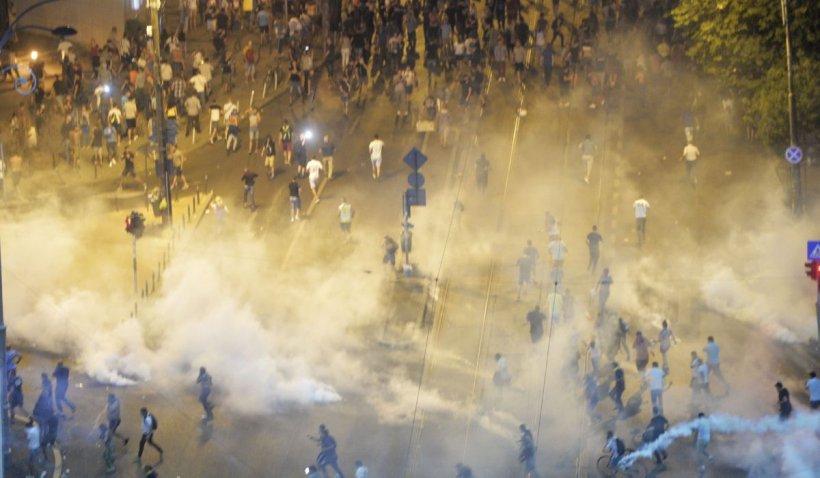 Condamnări în dosarul protestului din 10 august. 12 protestatari, închisoare pentru huliganism